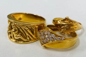 金・ダイヤ・ブランド品・時計を売るなら - 弘明寺,買取,金