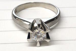 金・ダイヤ・ブランド品・時計を売るなら - 港南台,色石,買取